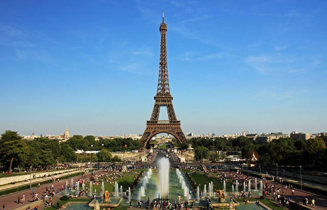 Eiffel_tower_from_trocadero (640x411)