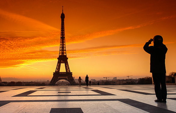 Paris-sunset-romantic-eiffel-tower-trocadero