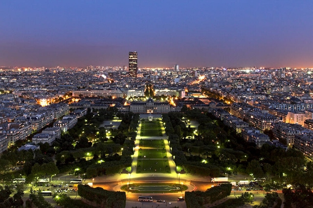 View of Paris at Night (640x426)